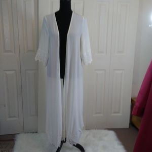 Olivaceous White Coverup/Robe